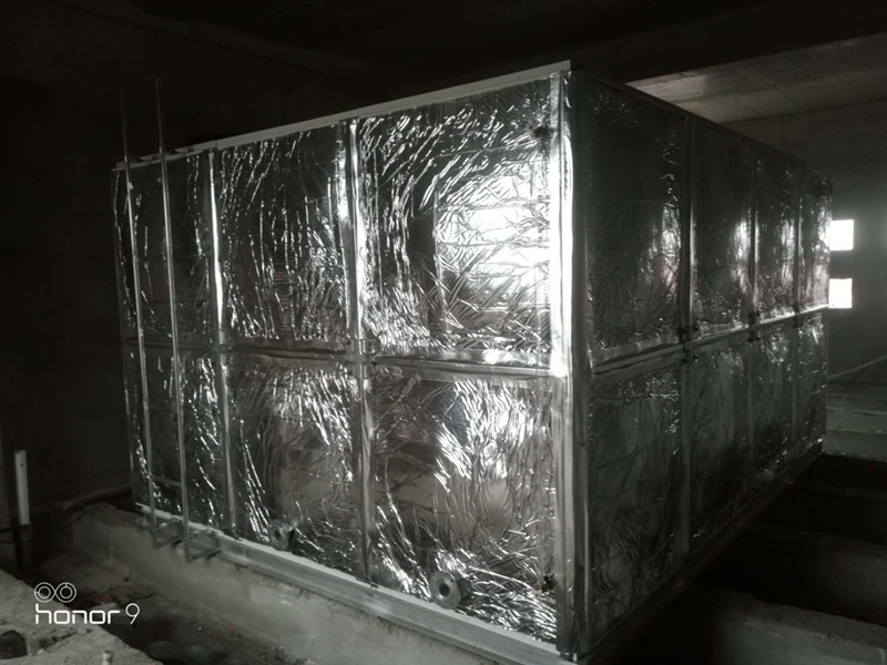 无棣县碣石山小xue24立方bo璃钢橡塑澳门赌场wang站水箱