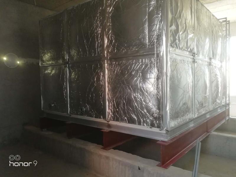 无棣县棣丰街中心小学24立fang玻璃钢橡塑水箱