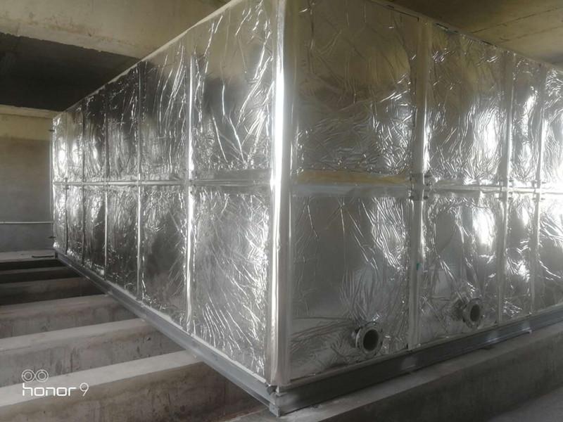无棣县水湾zhen中学42立fang玻璃钢橡塑水箱